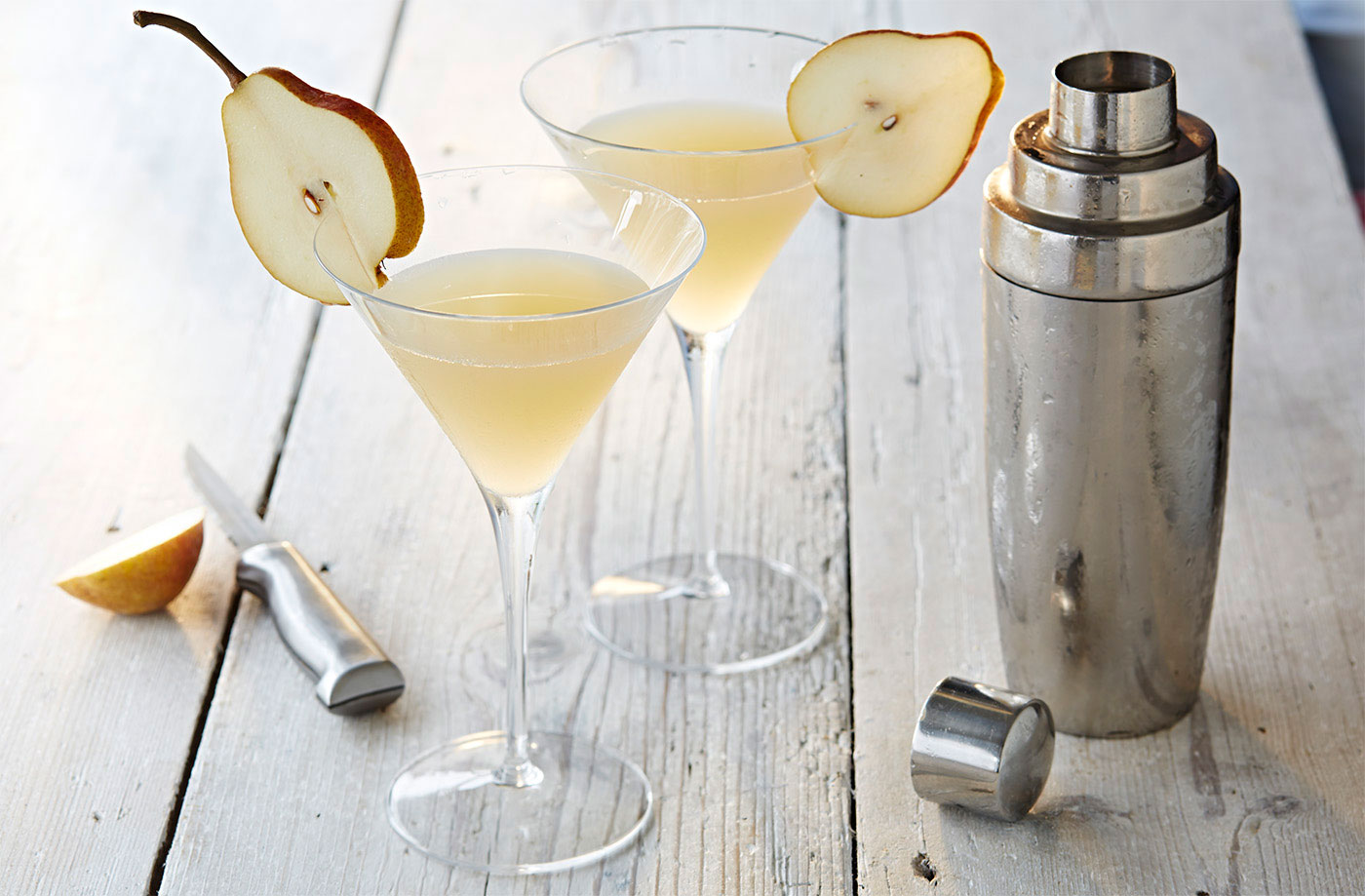 Christmas pear prosecco cocktail liquid gold drinks for Pear vodka mixed drinks
